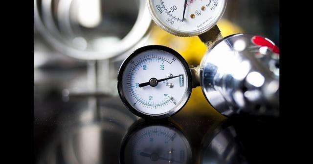 バレーボールを正しく使おう!適切な空気圧とオススメの空気入れ、圧力計を厳選